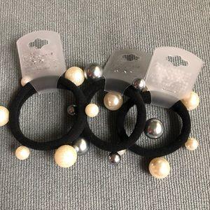 Elastic soft black hair band with pearl bead